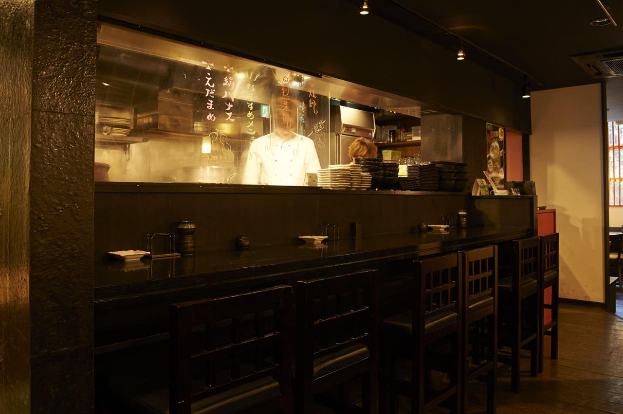 新宿でカウンター席がある居酒屋【酉一途 西新宿店】